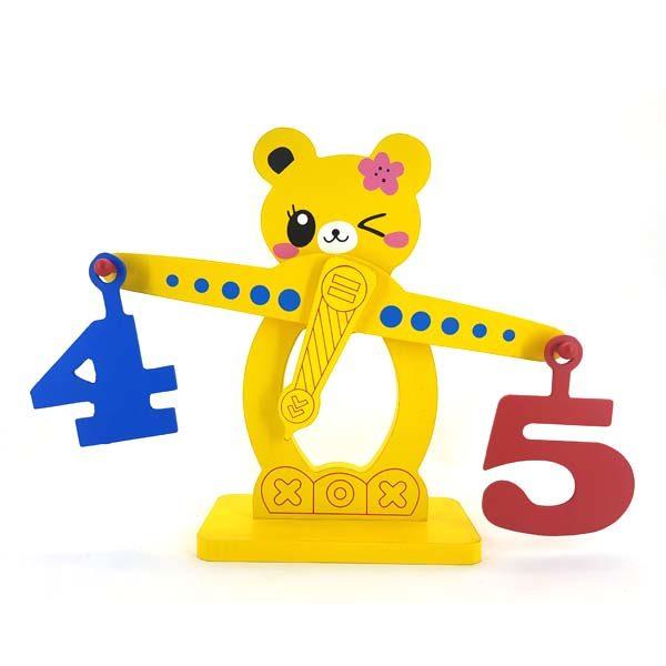 Bear scale play