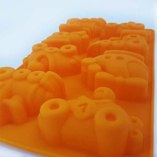 8 Assorted Transport Mold Tray